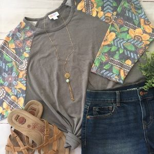 NEW! Lularoe Randy Tee